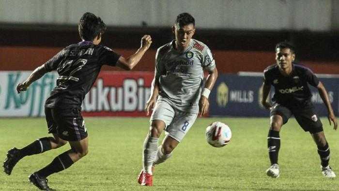 Highlight Piala Menpora 2021: Persib Kalahkan Jungkalkan Persita 3-1 1